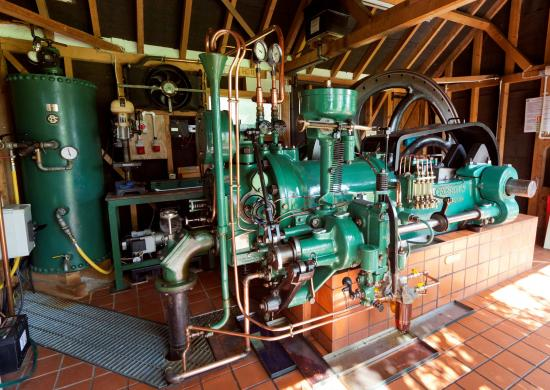 Crossley HD11 Oil Engine